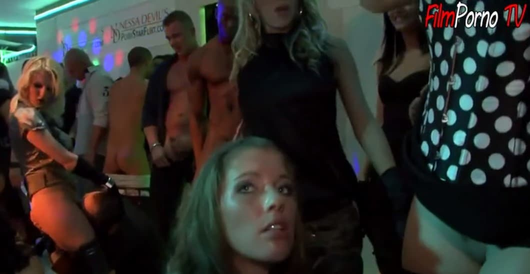 Group sex with stoned bitch at night club