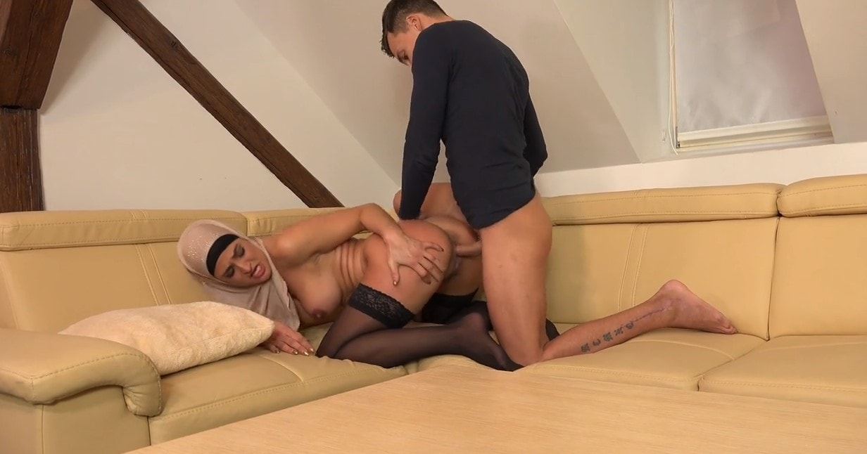 brunette bitch hijab with small dick BF hot sex